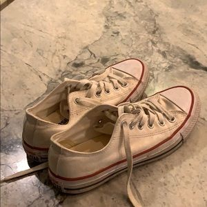 low top white converse/used but good condition